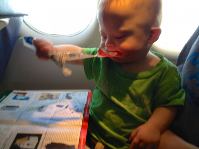 baby-kid-eating-sky-mall-plane 2