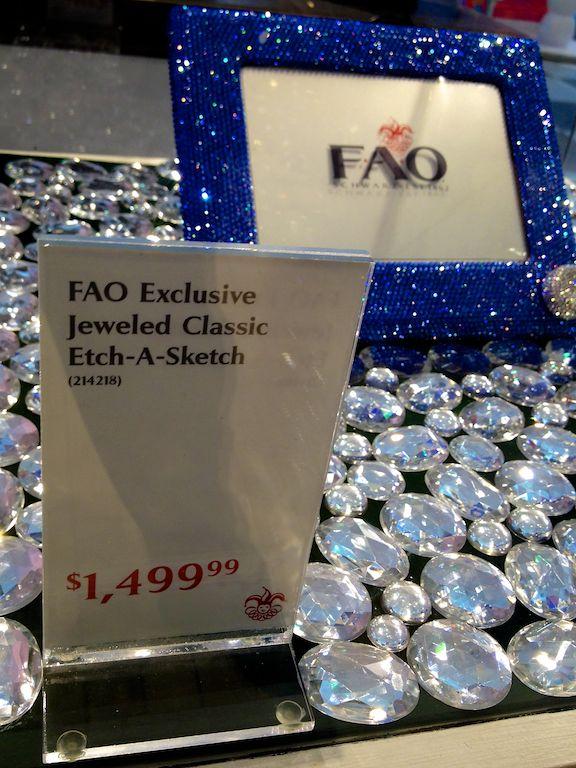 fao-schwarz-new-york-nyc-etch-a-sketch
