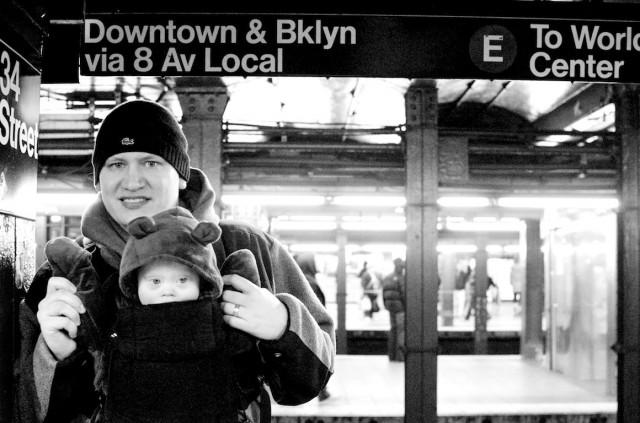 new-york-train-subway-station-father-son-new-york 3