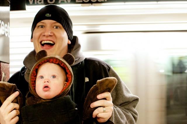 new-york-train-subway-station-father-son-new-york 4