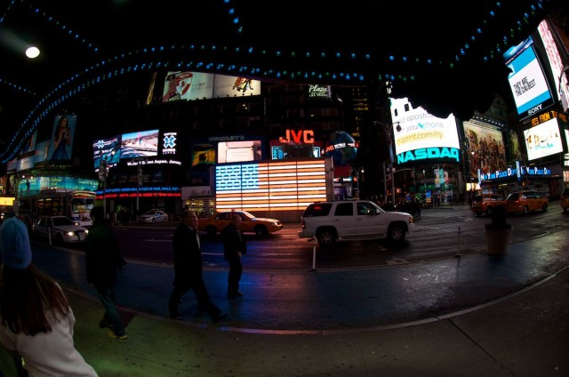 times-square-led-american-flag-lights
