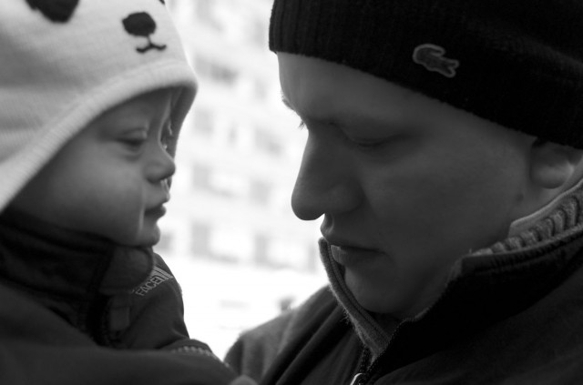 black-and-white-father-son-picture-baby-child-kid
