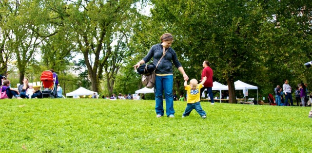 central-park-buddy-walk-down-syndrome-baby-ndss-nyc 5