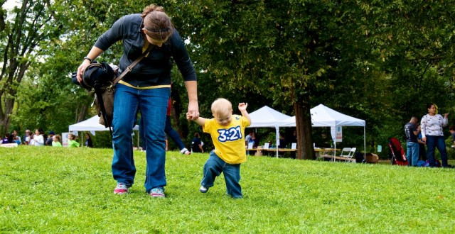 central-park-buddy-walk-down-syndrome-baby-ndss-nyc 6