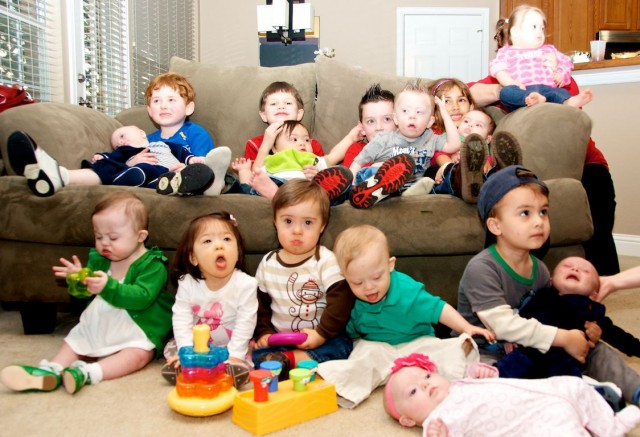 down-syndrome-babies-children-party-group-picture-toddlers 2