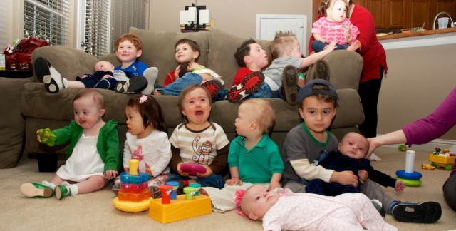 down-syndrome-babies-children-party-group-picture-toddlers 3