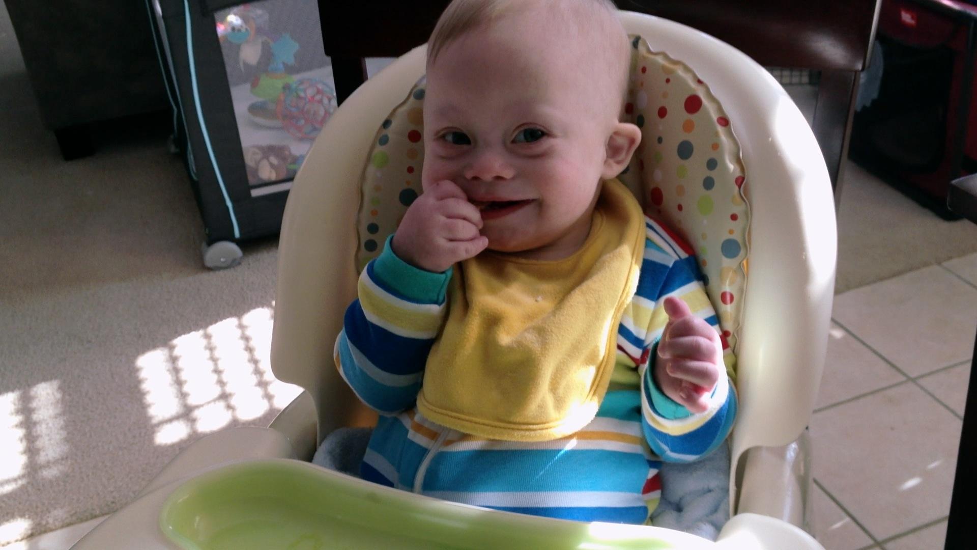 self feeding baby infant