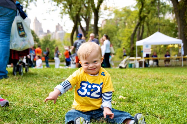 families playing at ndds central park down syndrome buddy walk