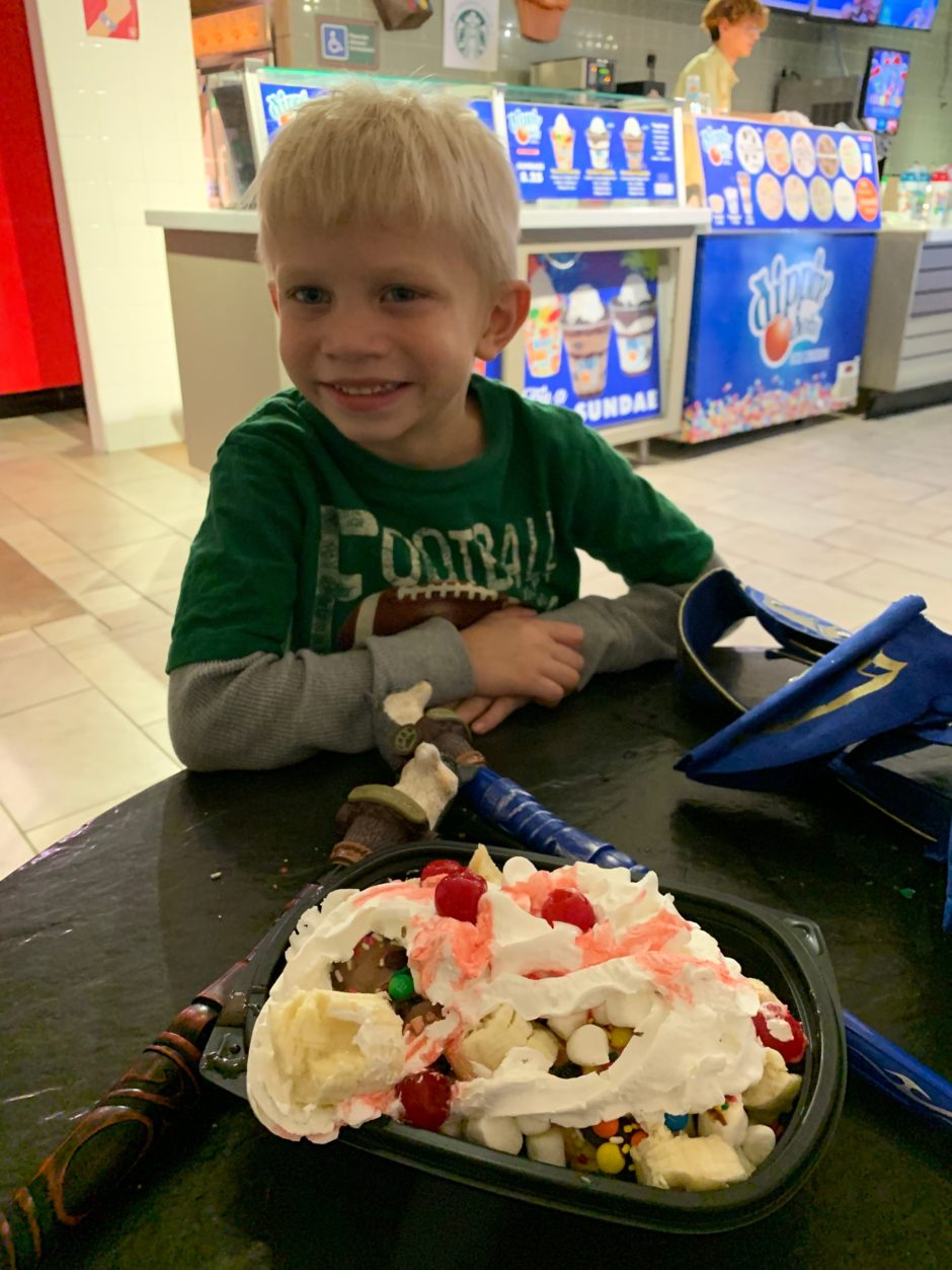 great wolf lodge grapevine Texas ice cream sundae