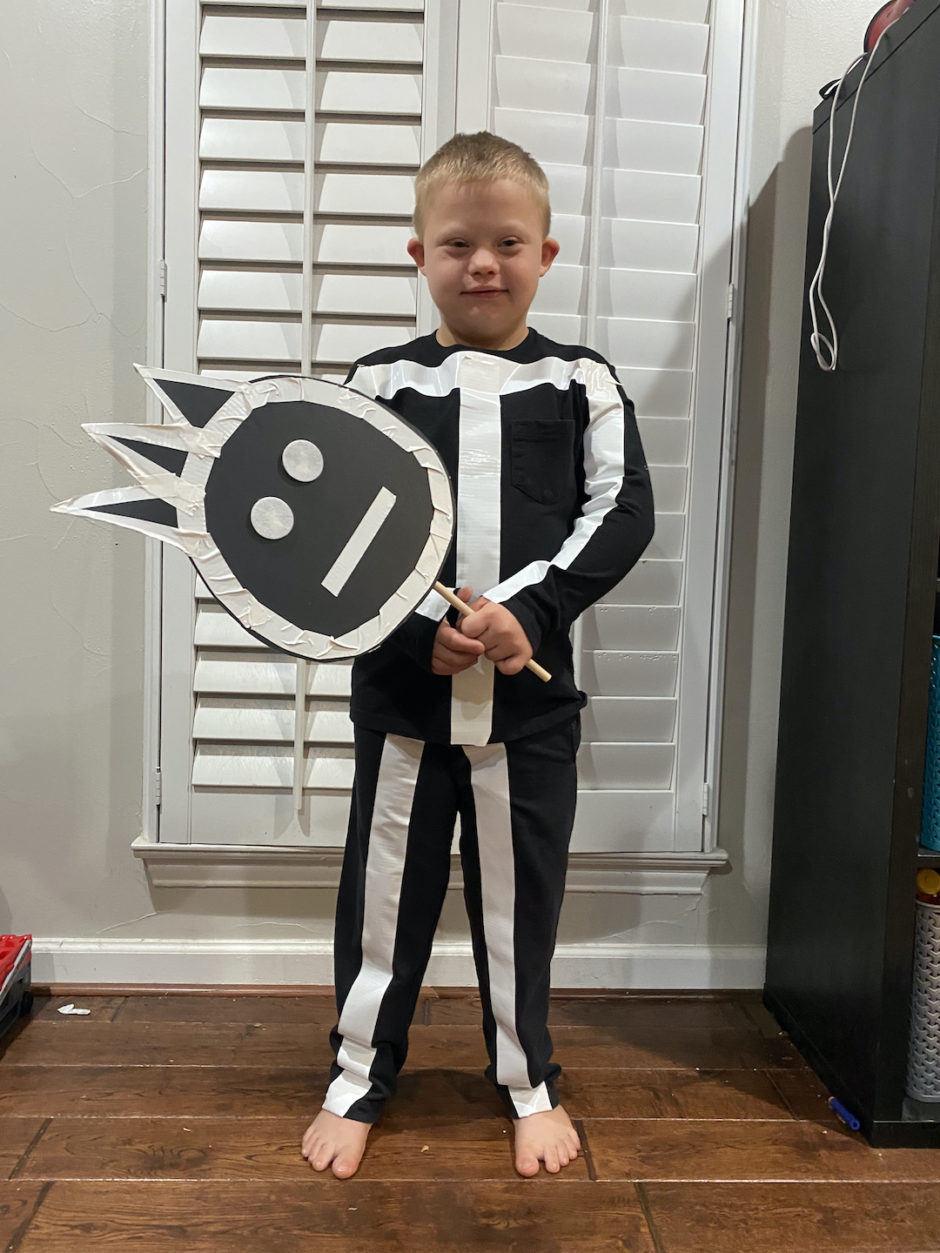 Make Your Own Halloween Costume in 3 Easy Steps 1